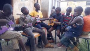 abel_mogaka_kids_nairobi_slum_45