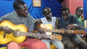 abel_mogaka_kids_nairobi_slum_46